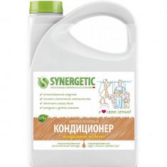 Synergetic Кондиционер для белья Миндальное молочко 2750 мл