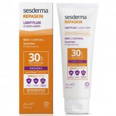 Sesderma Repaskin Light Fluid Body SPF30 Флюид нежный солнцезащитный  для тела 200мл